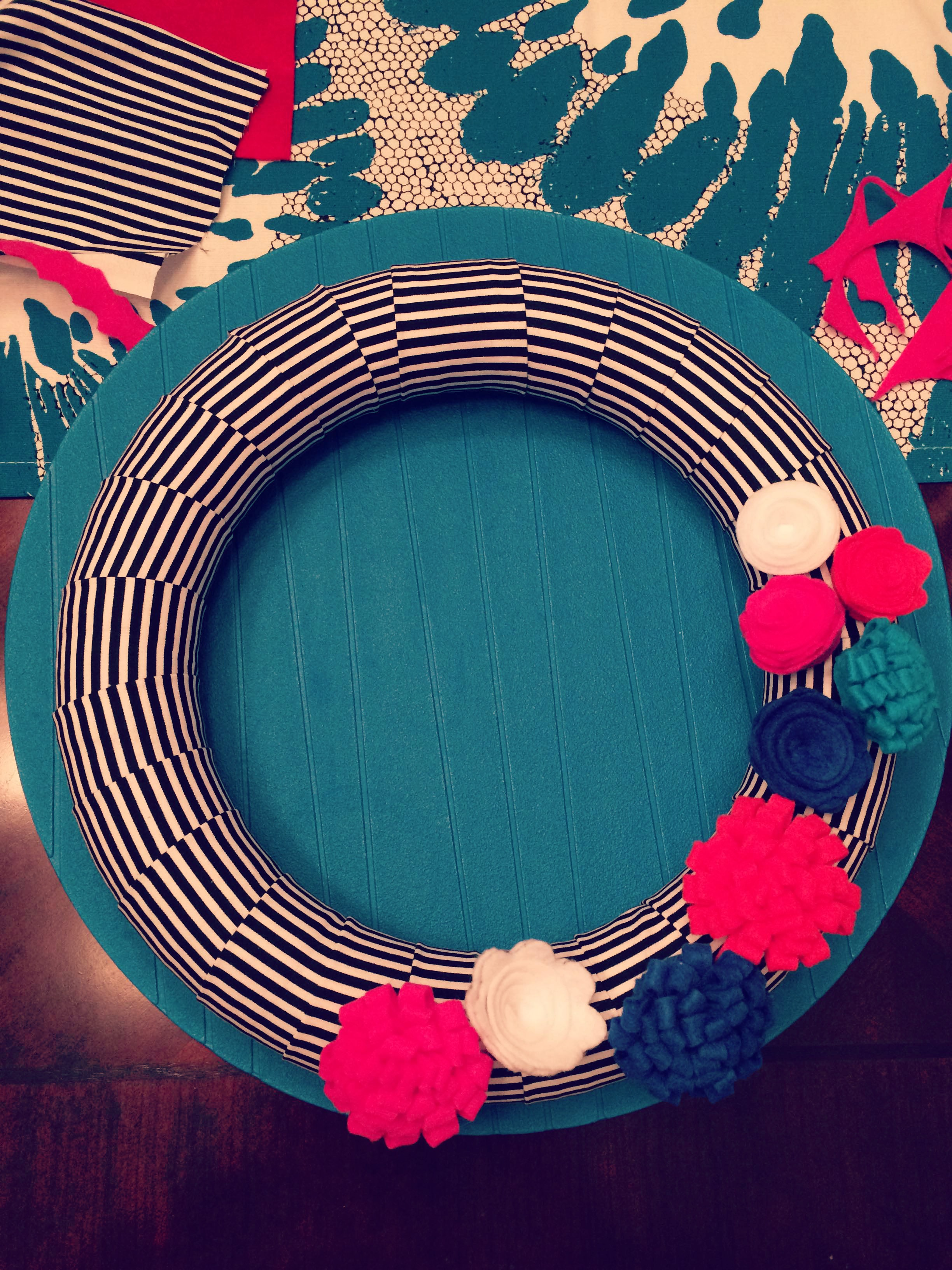 {My DIY Felt Flower Wreath - Adjusting Layout}